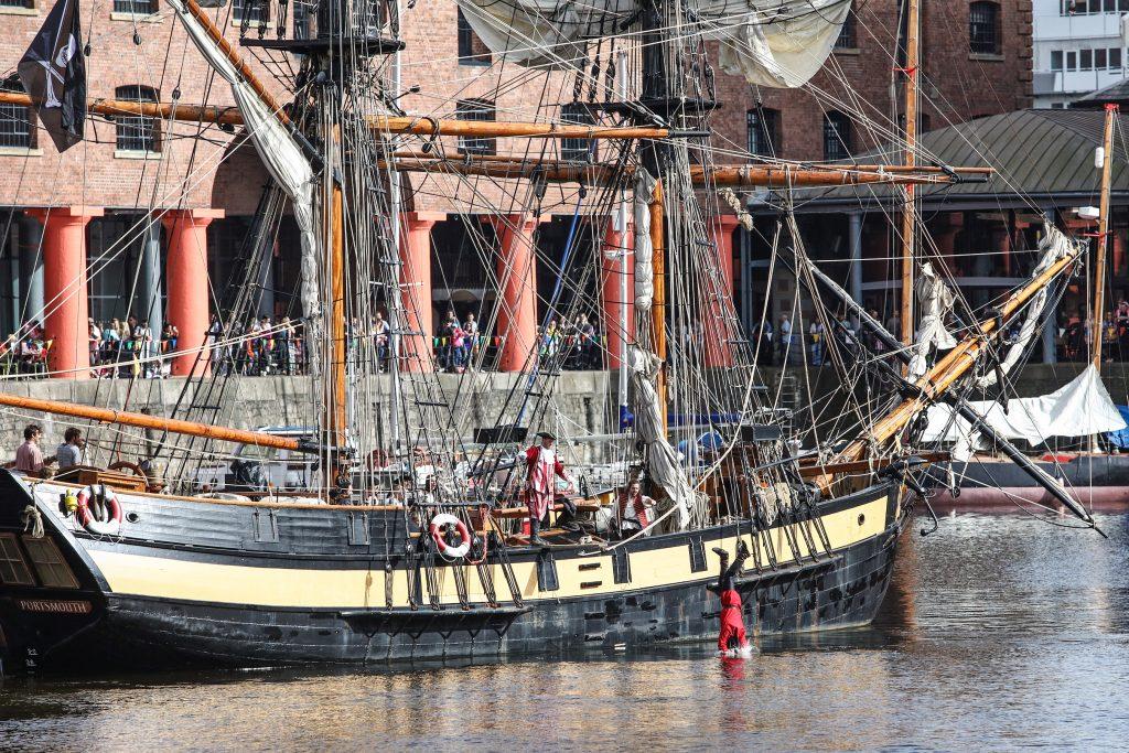 albert-dock-liverpool-pirates-on-the-dock-20175